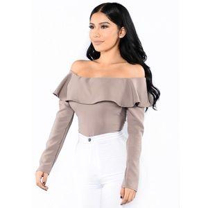 ✨ Fashion Nova Off the Shoulder Bodysuit